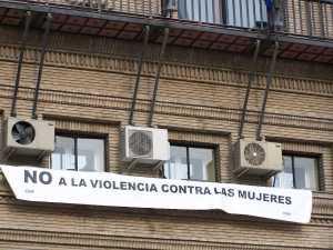Pancarta de CHA en contra de la Violencia de Género