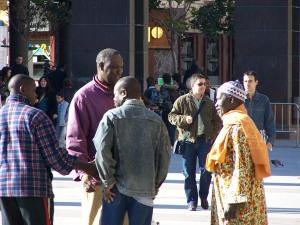 Aragoneses nacidos en Senegal,  en la plaza del Pilar de Zaragoza