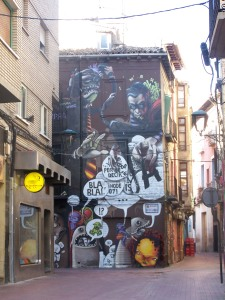 """Mural que borrado por el Ayuntamiento, y que fue realizado por Javier Sánchez """"Danjer"""" y Gema Gimenez, """"Chiquita"""""""