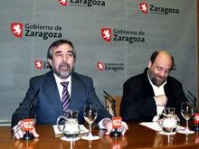 José Manuel Alonso dando una rueda de prensa con el alcalde Belloch