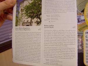 Información que aparece en el folleto de turismo