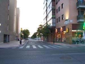 Calle Coloso desde su única entrada por la Avenida de la AGM
