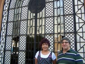 Carmen Gallego y Nacho Rangil, coordinador de CHA en Las Fuentes