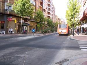 Avda. Madrid llena de baches tras su arreglo