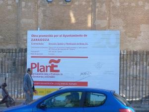 Cartel anunciador de una obra del Plan E, en Zaragoza
