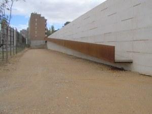 Muro construido en el parque Castillo Palomar. Foto: JC Cámara